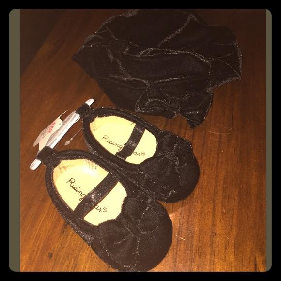 f0f32a860b6b3 Black velvet beret hat and matching shoes